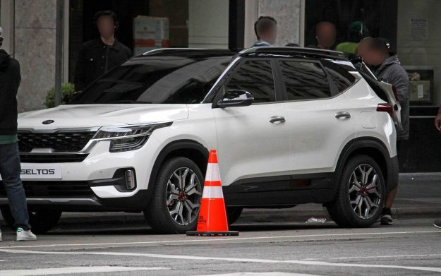kia-seltos-spy-photo-2019-proauto-02