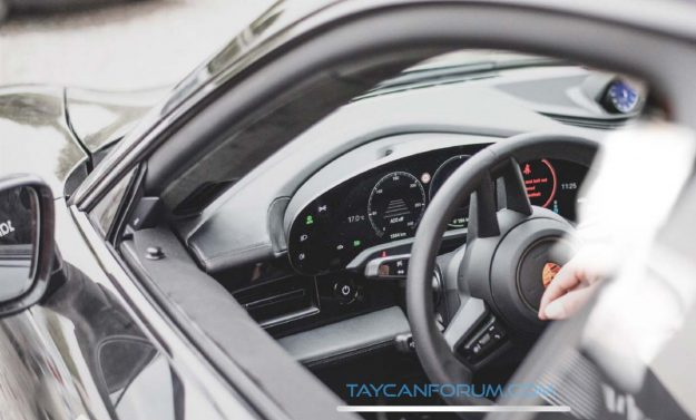 porsche-taycan-production-interior-spy-photo-2019-proauto-01