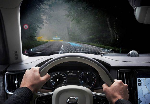 volvo-cars-i-varjo-mixed-reality-varjo-xr-1-2019-proauto-02
