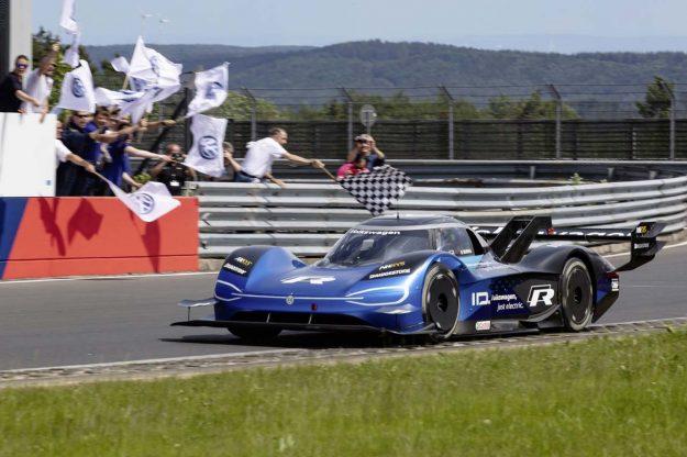volkswagen-id-r-nurburgring-nordschleife-record-2019-proauto-01-romain-dumas