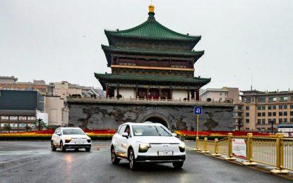 """Dva kineska električna prototipa Aiways U5 """"maratonskom"""" vožnjom od Kine do Njemačke na sajamsko predstavljanje"""