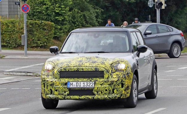 mini-countryman-facelift-spy-photo-2019-proauto-01