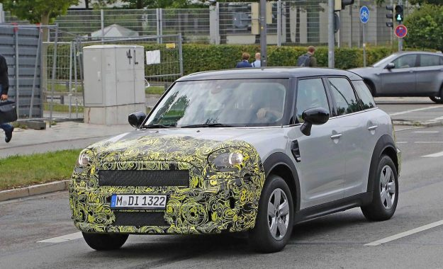 mini-countryman-facelift-spy-photo-2019-proauto-02