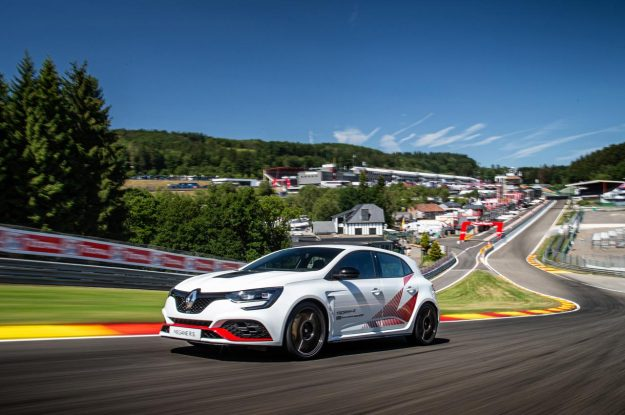 renault-megane-r-s-trophy-r-spa-francorchamps-record-2019-proauto-01