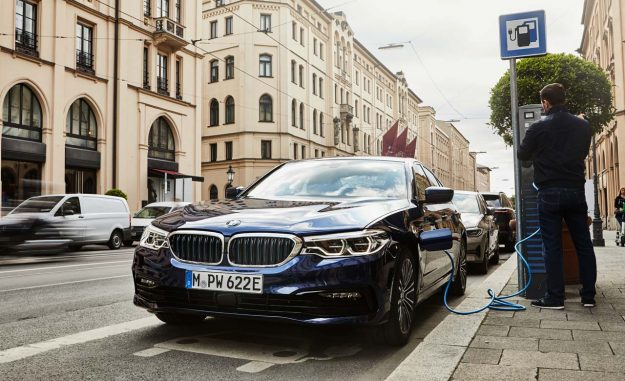 bmw-530e-sedan-plug-in-hybrid-2019-proauto-01