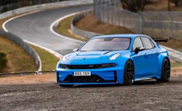 lynk-co-03-cyan-concept-nurburgring-record-2019-proauto-09