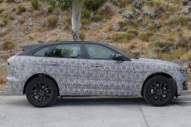 jaguar-f-pace-facelift-spy-photo-2019-proauto-03