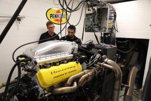 hennessey-with-1817-hp-venom-f5-fury-v8-engine-trolls-bugatti-2019-proauto-03