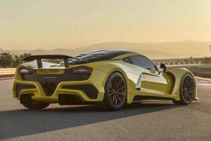 hennessey-with-1817-hp-venom-f5-fury-v8-engine-trolls-bugatti-2019-proauto-05