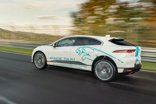 jaguar-i-pace-e-taxi-nurburgring-nordschleife-2019-proauto-03