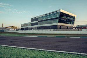 porsche-experience-center-hockenheimring-2019-proauto-06