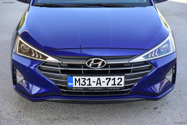 test-hyundai-elantra-16-mpi-6mt-premium-2019-proauto-72