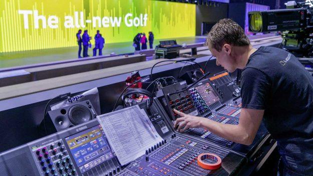 volkswagen-golf-8-live-najava-2019-proauto-01