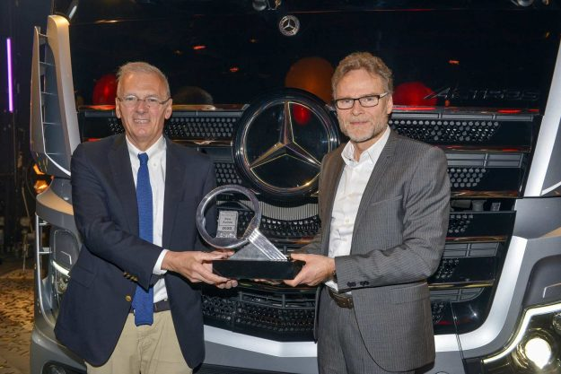 kamioni-mercedes-benz-actros-nagrada-international-truck-of-the-year-itoy-2020-proauto-01