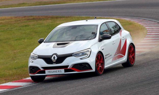 renault-megane-rs-trophy-r-laurent-hurgon-new-record-suzuka-circuit-2019-proauto-03