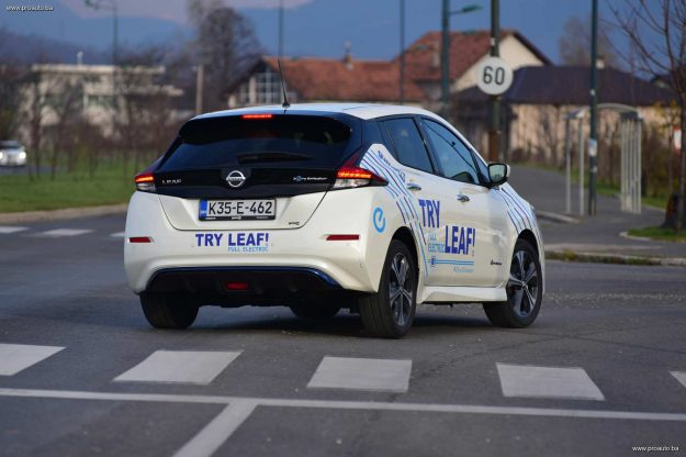 test-nissan-leaf-40-kwh-n-connecta-2019-proauto-28