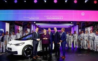 Prvi Volkswagen ID.3 sišao s proizvodne linije [Galerija i Video]