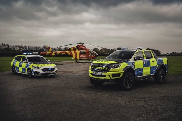 ford-focus-st-estate-and-ford-ranger-raptor-uk-police-2019-proauto-02