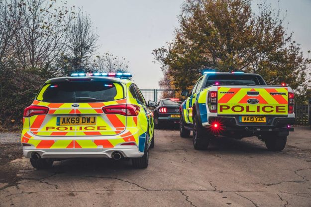 ford-focus-st-estate-and-ford-ranger-raptor-uk-police-2019-proauto-04