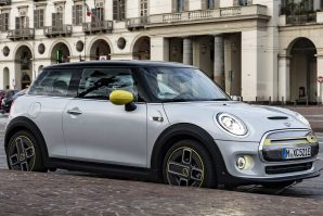 "Mini Cooper SE – ""The E-talian Job"" [Video]"