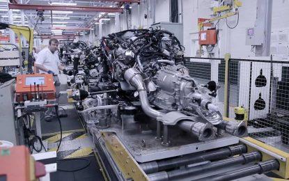 Kako se sklapa motor W12 za Bentley [Video]
