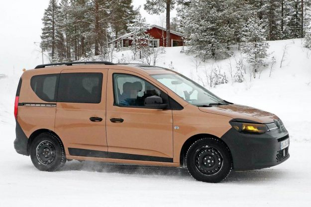 volkswagen-caddy-family-mpv-winter-test-spy-photo- 2020-proauto-03