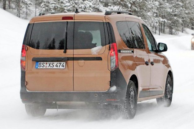 volkswagen-caddy-family-mpv-winter-test-spy-photo- 2020-proauto-04