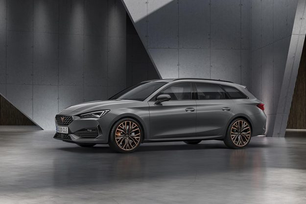 cupra-opens-the-doors-of-its-new-headquarters-with-the-debut-of-the-first-cupra-leon-2020-proauto-07