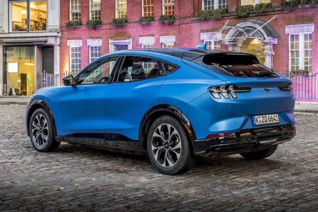 ford-mustang-mach-e-go-electric-2020-proauto-05