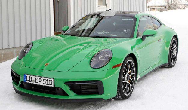 porsche-911-992-gts-coupe-spy-photo-2020-proauto-01