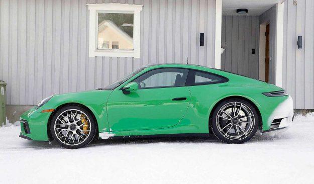 porsche-911-992-gts-coupe-spy-photo-2020-proauto-02