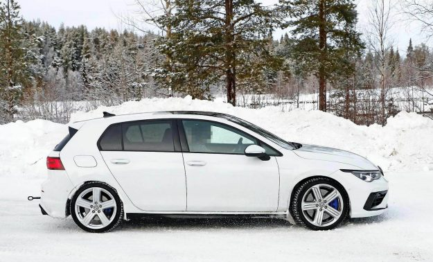 volkswagen-golf-r-winter-test-spy-photo-2020-proauto-03