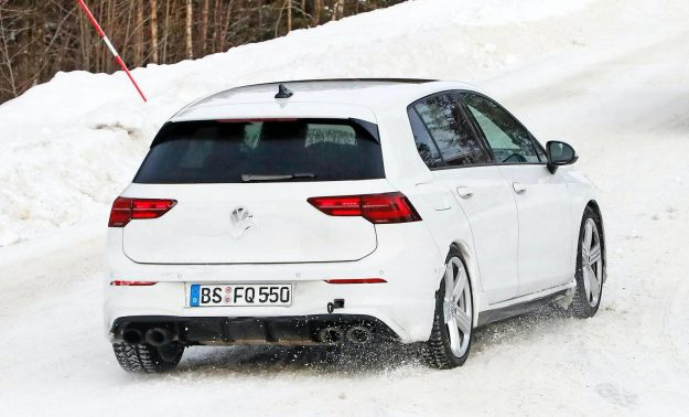 volkswagen-golf-r-winter-test-spy-photo-2020-proauto-05