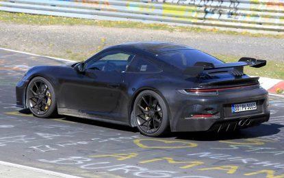 Novi Porsche 911 GT3 na Nürburgringu gotovo bez kamuflaže