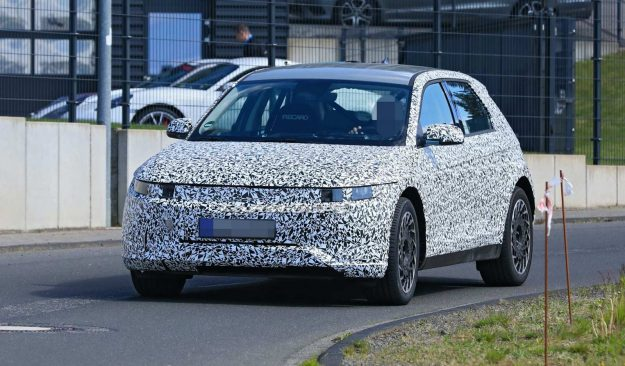 Hyundai-45-ev-nurburgring-spy-photos-2020-proauto-01