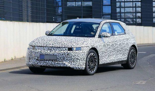 Hyundai-45-ev-nurburgring-spy-photos-2020-proauto-02