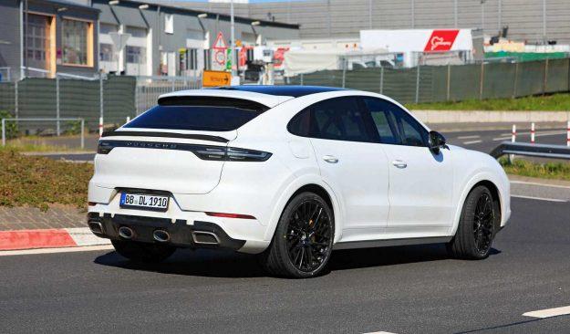 porsche-cayenne-coupe-gts-nurburgring-spy-photo-2020-proauto-04