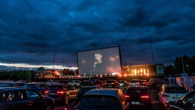 seat-reinvents-drive-in-cinemas-in-germany-2020-proauto-01