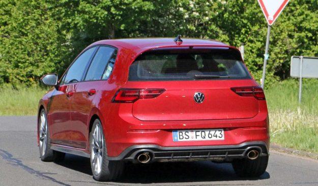 volkswagen-golf-gti-tcr-nurburgring-spy-photo-2020-proauto-03