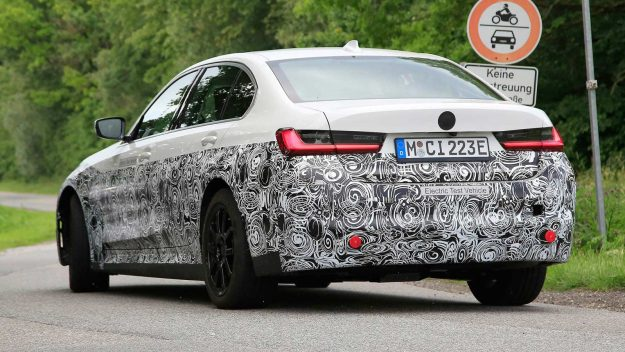 bmw-3-series-electric-spy-photo-electric-test-vehicle-2020-proauto-05
