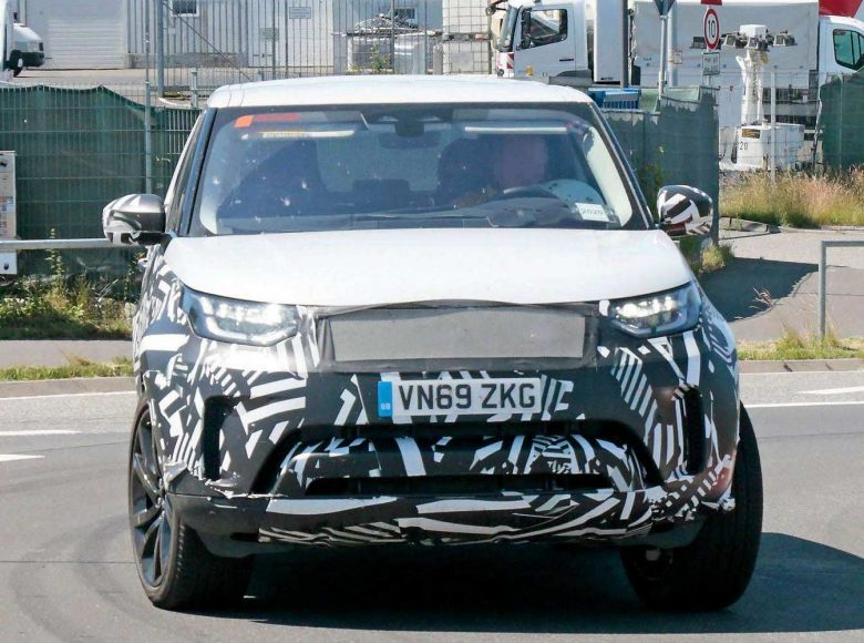 land-rover-discovery-facelift-nurburgring-spy-photo-2020-proauto-01