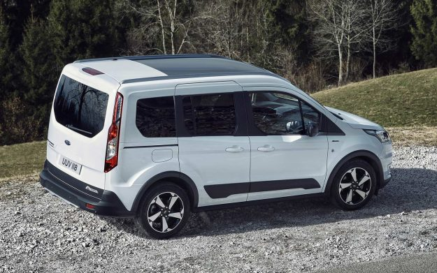 ford-tourneo-connect-active-i-transit-connect-active-2020-proauto-02-tourneo