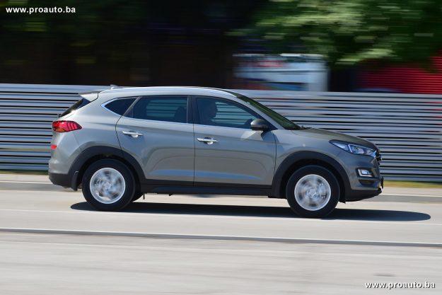 test-hyundai-tucson-fl-1-6gdi-2wd-6mt-gls-classic-plus-132-ks-2020-proauto-16