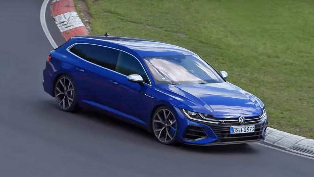 volkswagen-arteon-shooting-brake-r-and-volkswagen-golf-r-at-nurburgring-2020-proauto-01
