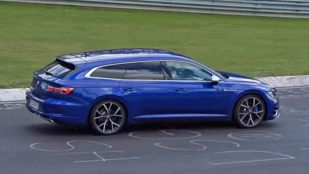 volkswagen-arteon-shooting-brake-r-and-volkswagen-golf-r-at-nurburgring-2020-proauto-02