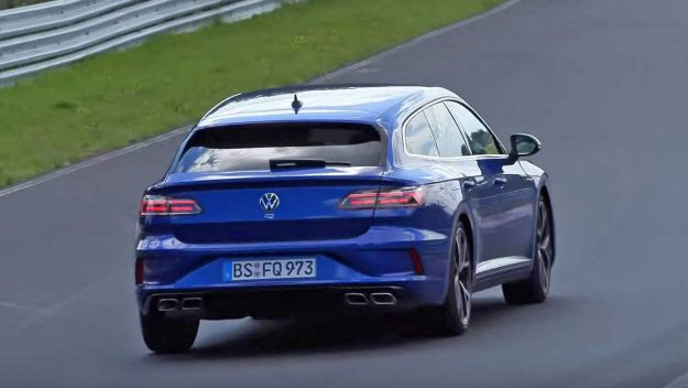 volkswagen-arteon-shooting-brake-r-and-volkswagen-golf-r-at-nurburgring-2020-proauto-03