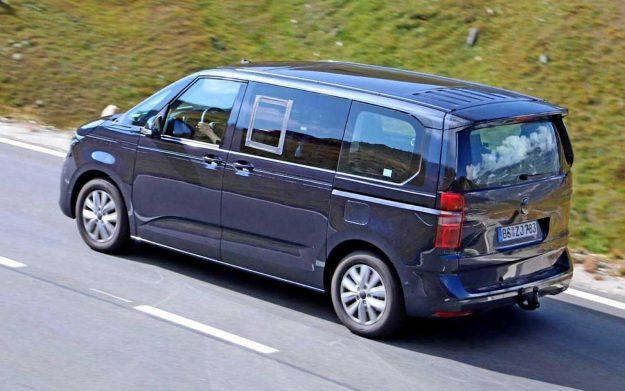 volkswagen-transporter-t7-hybridfahrzeug-spy-photo-2020-proauto-02