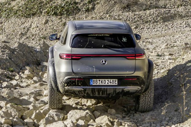mercedes-benz-eqc-4×42-suv-electric-luxury-goes-off-road-2020-proauto-04