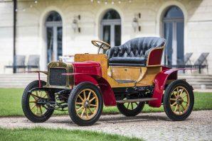Futuristička interpretacija legendarnog automobila Laurin & Klement Voiturette A, i to kao autonomna kočija