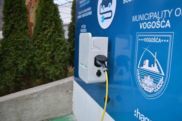 elektricno-vozilo-punjac-vogosca-2020-11-24-proauto-02